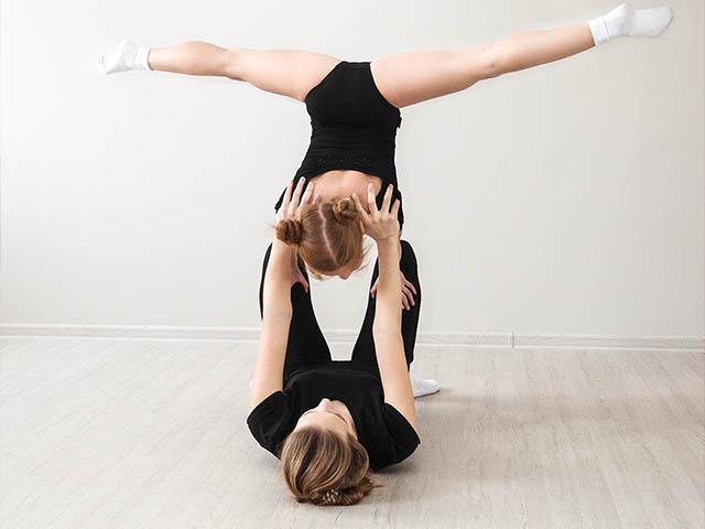 Акробатика упражнение